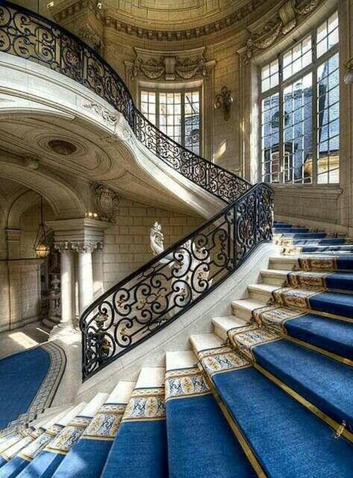 8 luxurious staircase design ideas interior design for Luxury staircases