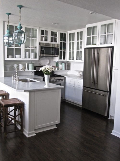 4 great tricks for making your small kitchen look larger for Great small kitchens