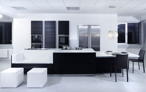 The 3 Steps of Creating a Perfect Minimalist White and Black Kitchen