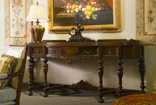 Valuable Tips to Restore the Old Furniture Pieces