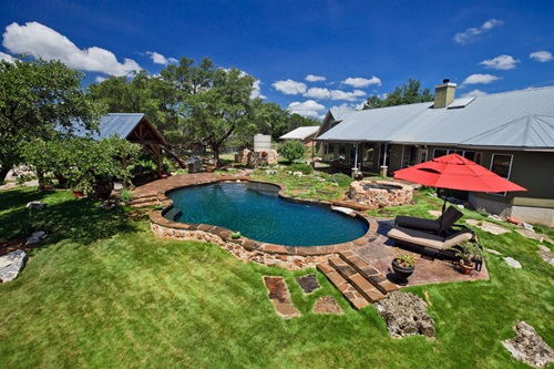 Amazing Ways to Design your Lovely Backyard
