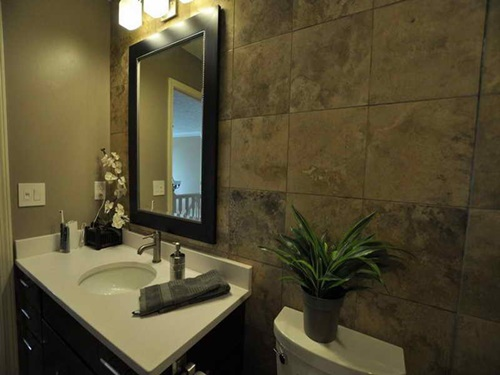 Creative small bathroom makeover ideas on budget for Small bathroom makeovers