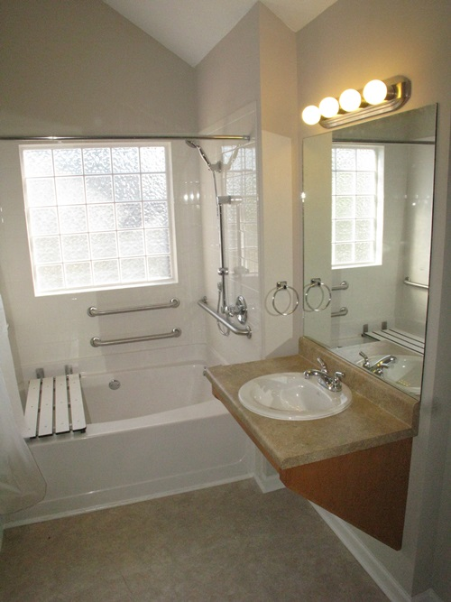 Creative small bathroom makeover ideas on budget for Creative bathroom ideas
