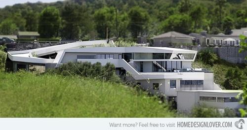 Distinctive Futuristic Home Design Ideas