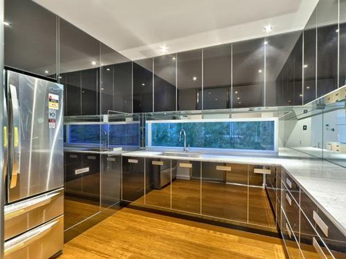 Futuristic Refrigerator Designs For Ultramodern Homes Interior - Ultra modern homes