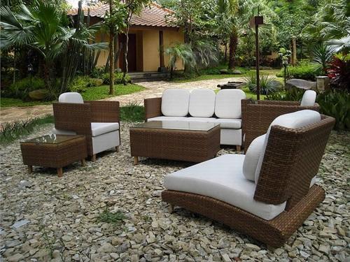 Impressive Modern and Futuristic Garden Furniture Ideas