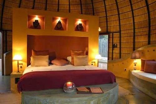 Inviting Romantic Bedroom Decorating Ideas