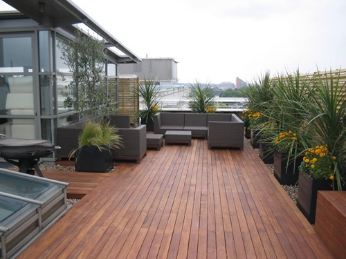 Stunning Ways to Design a Small Deck