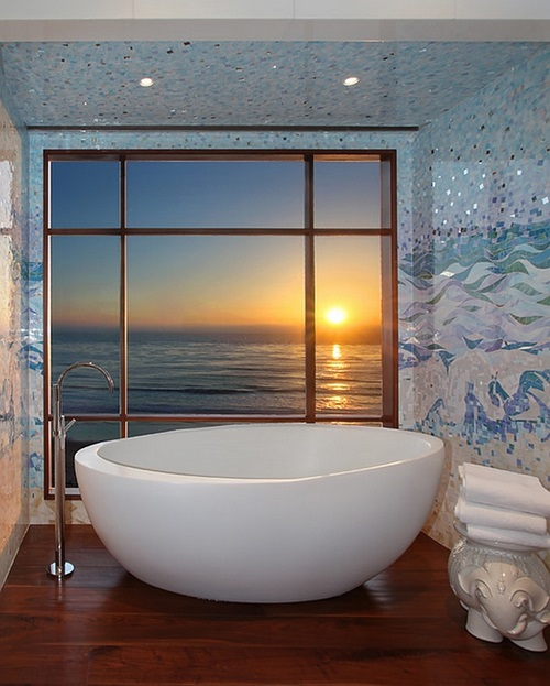 Unique Bathtub Designs for an Enjoying Bathing Experience