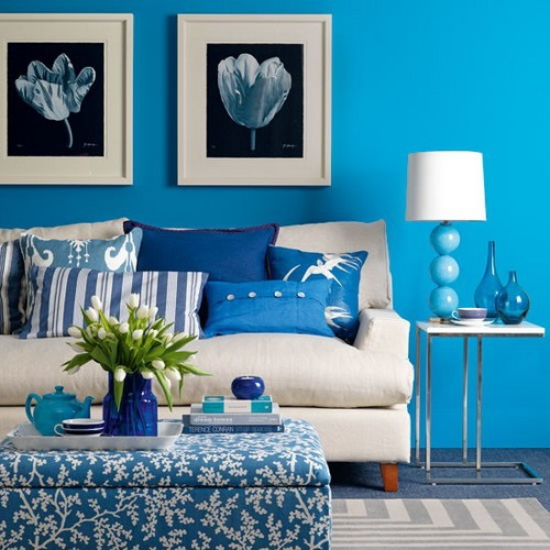 Creative ways to decorate your living room without for Painting your room ideas