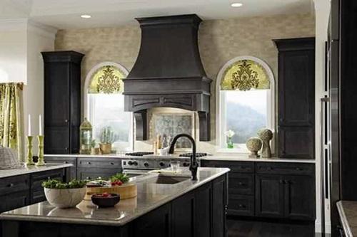 Elegant Espresso Cabinet Designs for a Warm Traditional Kitchen