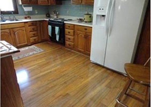 How to choose eco friendly and stylish linoleum for your for Kitchen flooring trends