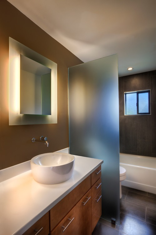 Impressive modern bathroom ceiling and wall lighting ideas for Contemporary bathroom lighting ideas