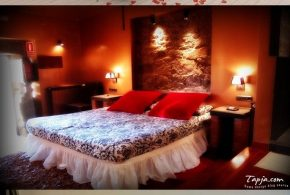 Inviting Romantic Bedroom Decorating Ideas
