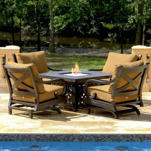 LED Lounge Chairs for Peaceful Nights at the Sides of Your Swimming Pool l