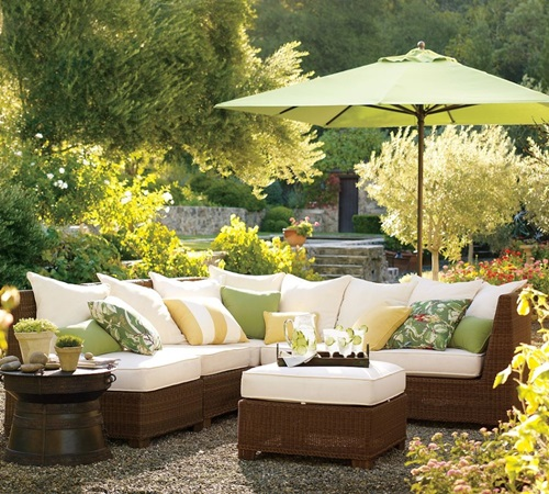 Patio Furniture For Living Room: 8 Cute Patio Side Table Design Ideas