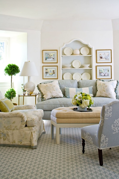 Amazing Ways To Decorate A Romantic Traditional Living Room Interior Design