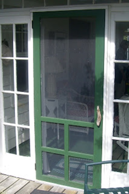 Creative ways to reuse your old screen door interior design for Interior screen door
