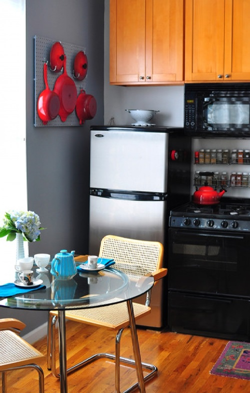 Stunning Spice Rack Designs That Will Liven up Your Kitchen