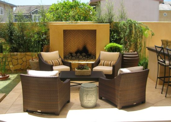 Furnish your outdoor area with amazing suitable coffee table