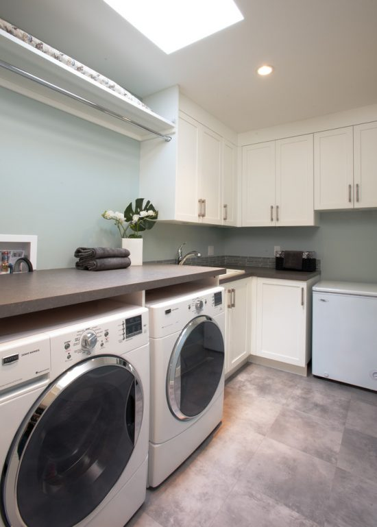 Have fun with laundry tasks by well-organized laundry room