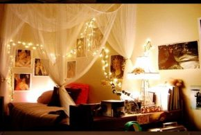 Ideas to get a romantic bedroom with Christmas light