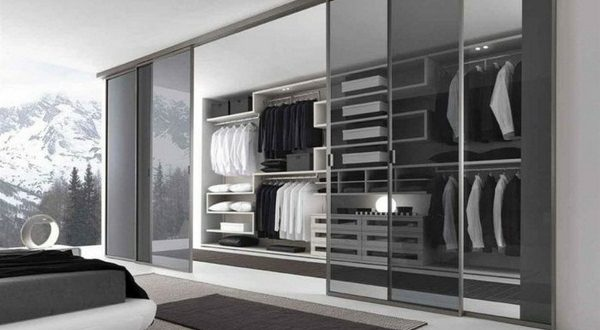 Enhance your bedroom beauty with a suitable closet