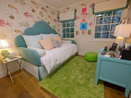 How to utilize the small space perfectly in a kid's room