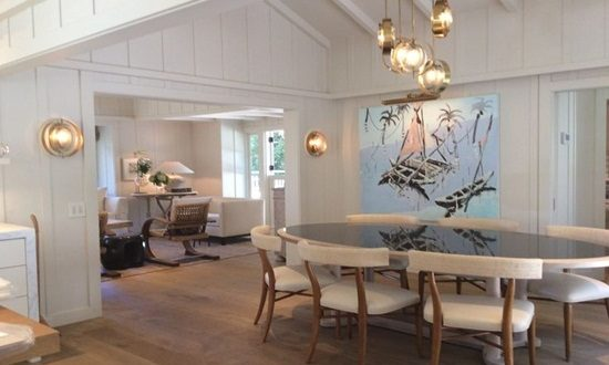 Unique Mix of Modern and Traditional Designs by Bruce Palmer Design Studio