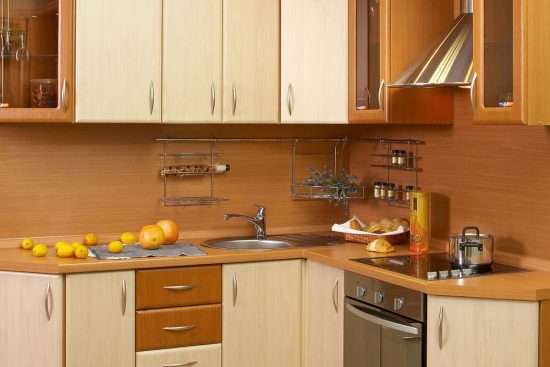 Get a modular kitchen design for your small kitchen area interior design - Kitchen layout for small space decoration ...