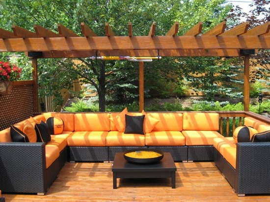 Keep the shiny look of your gorgeous teak furniture by simple tips