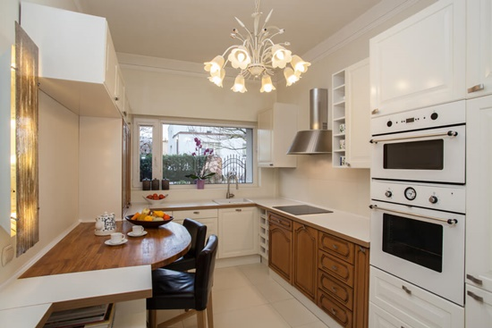 Make the most of your kitchen space to look larger and elegant