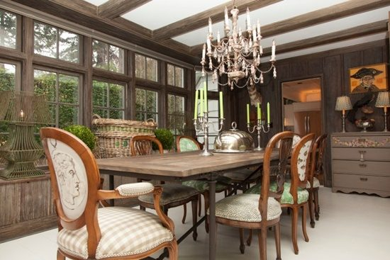 Add Elegance And Beauty Inside Your Home With An Antique