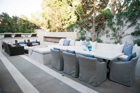 Breathtaking and Cheerful Outdoor Spaces to Please All of Your Senses by Valerie Saunders