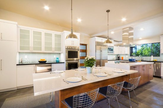 Inspiring Transitional Elements to Keep Your Kitchen Trendy by Sandra Nance