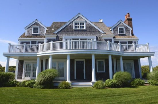Natural Exterior Siding Options to Blend with Your Outdoor Garden by ...
