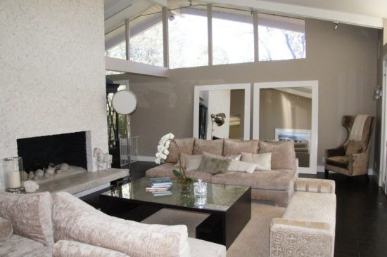 Refresh Your Living Room with One of Such Floor Options Presented by Rayna Marz