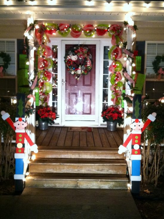 5 Ideas To Decorate Your Front Porch At This Year Christmas Interior Design