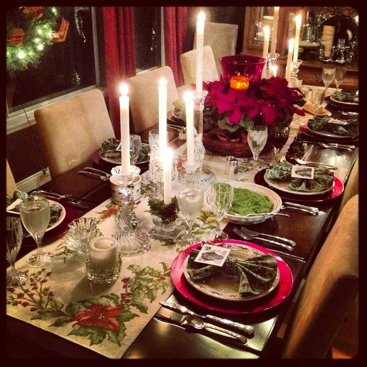 Add a festive charm with this year adorable christmas Dinner table setting pictures