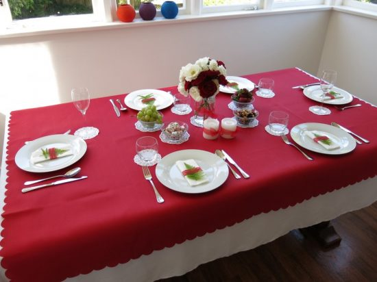 Add a festive charm with this year adorable Christmas table decorations