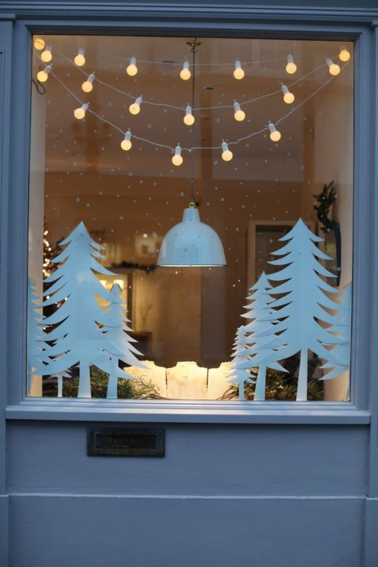 Stylish Ideas To Decorate Your Windows For The Christmas