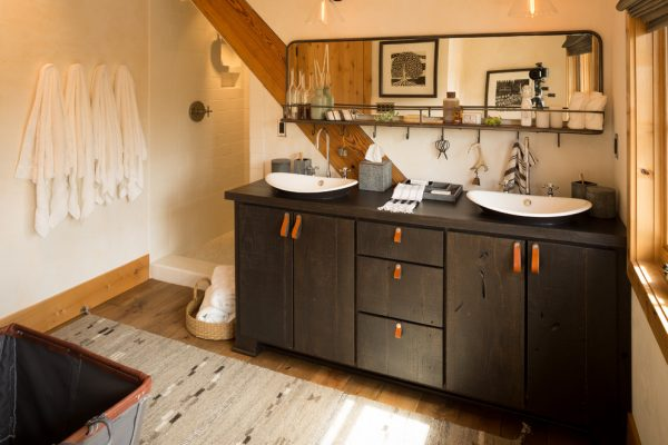 bathroom decorating ideas and designs Remodels Photos ashley campbell interior design Denver Colorado United States rustic-bathroom-003