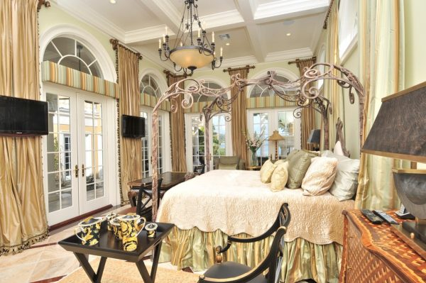 bedroom decorating ideas and designs Remodels Photo Chic on the Cheap Sarasota Florida United States traditional-bedroom-004