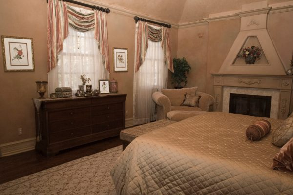bedroom decorating ideas and designs Remodels Photos AMI Designs Huntington New York United States traditional-bedroom-007
