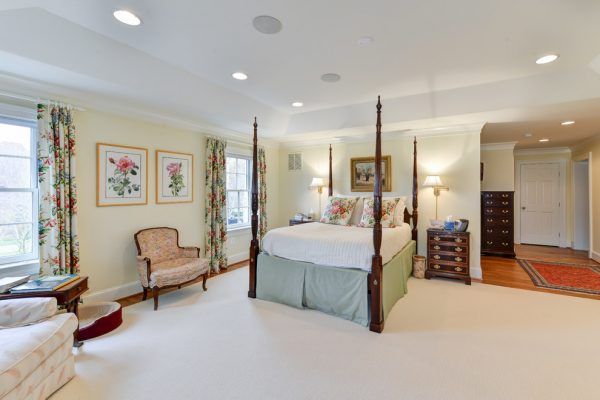 bedroom decorating ideas and designs Remodels Photos Arlington Construction Management  Arlington Virginia United States traditional-bedroom-009