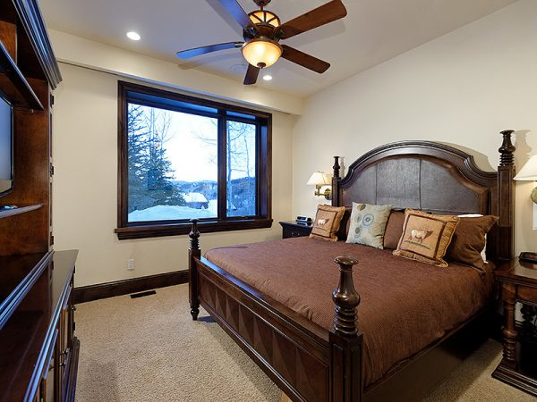 bedroom decorating ideas and designs Remodels Photos Arnold Schulman Design GroupMiami Florida United States rustic-bedroom-001