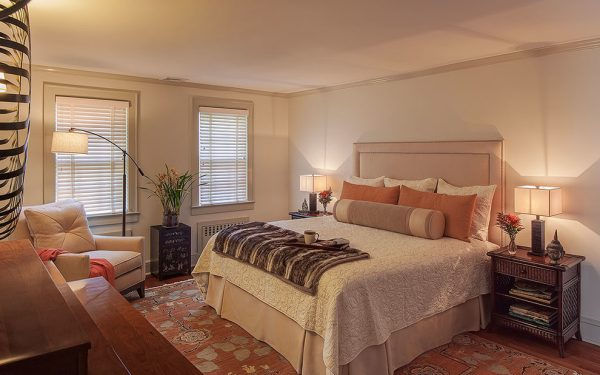 bedroom decorating ideas and designs Remodels Photos B Fein Interiors LLCScarsdale New York United States contemporary-bedroom