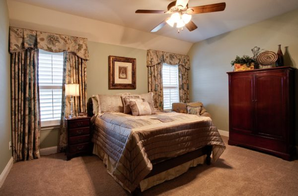 bedroom decorating ideas and designs Remodels Photos Barbara Gilbert Interiors Dallas Texas United States traditional-bedroom