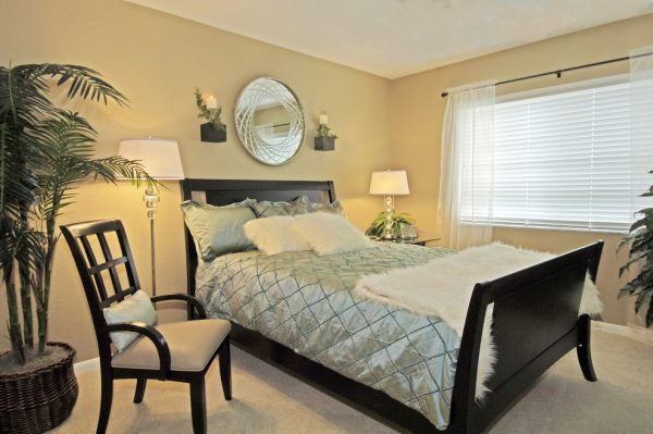 bedroom decorating ideas and designs Remodels Photos Barbara Krai Interior Design Clearwater Florida United States contemporary-bedroom