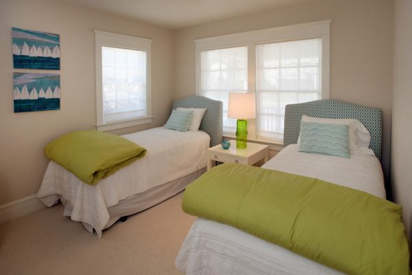 bedroom decorating ideas and designs Remodels Photos Beach Dwellings Avalon New Jersey United States beach-style-bedroom-003